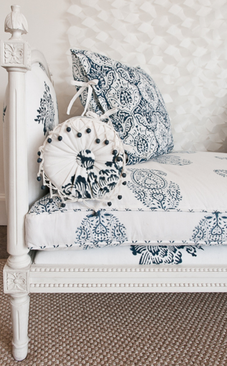 Country Swedish Daybed Detail